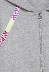 Guess - JUNIOR ACTIVE ZIP - Mikina na zip - light heather grey - 2