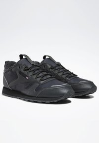 Reebok Classic - CLASSIC LEATHER SHOES - Sneakersy niskie - blue - 1