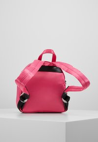 Versace Jeans Couture - TAB MINI BACKPACK - Batoh - fuxia - 2