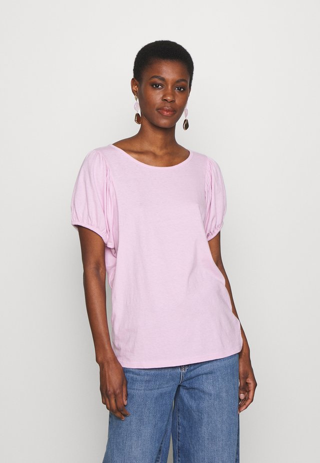 TALL - T-shirt med print - butterfly lilac