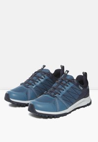 The North Face - W LITEWAVE FASTPACK II WP - Sneakers - mallard blue/aviator navy - 2