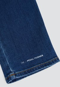 CLOSED - PEDAL PUSHER - Jeans Tapered Fit - mid blue - 3