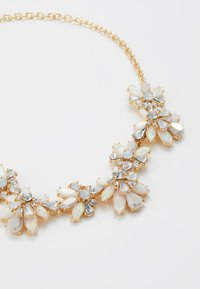 Pieces - PCFLOWINA STONE NECKLACE - Smykke - gold coloured/clear/mop/white - 2