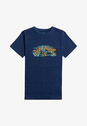 ARCH CRAYON  - Camiseta estampada - denim blue
