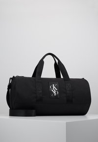 Calvin Klein Jeans - SPORT ESSENTIALS  DUFFLE  - Sports bag - black - 0