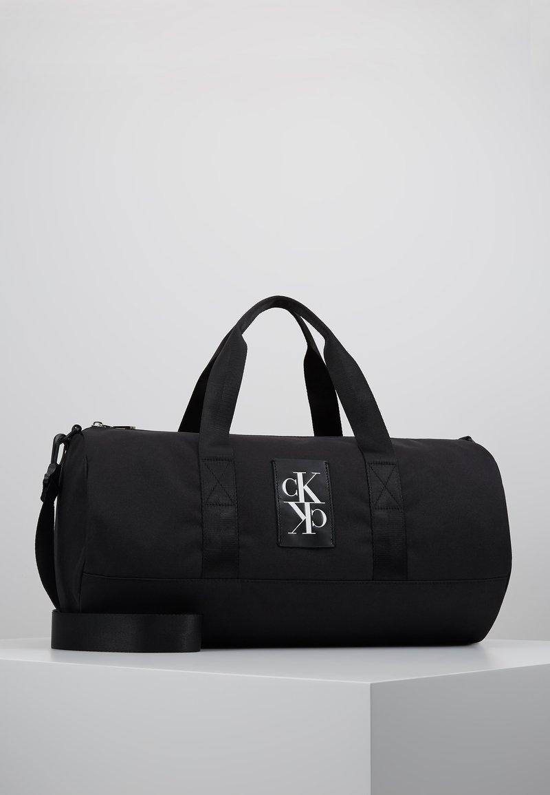 Calvin Klein Jeans - SPORT ESSENTIALS  DUFFLE  - Sports bag - black