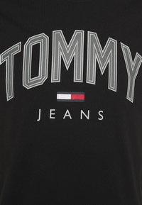 Tommy Jeans - SHADOW TEE UNISEX - T-shirt med print - black - 5