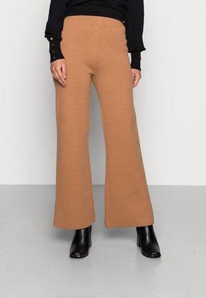 GENEVIEVE PANTS - Trousers - meerkat