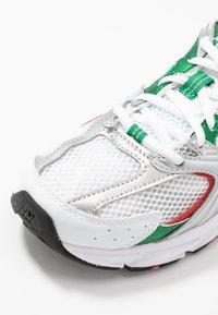 New Balance - MR530 - Trainers - white/green/orange - 2