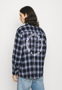 The Couture Club - SIGNATURE CIRCLE COUTURE BRUSHED CHECK - Koszula - blue - 2