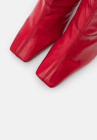 Topshop - VEGAN VIVA FLARED BOOT - Bottines à talons hauts - red - 5