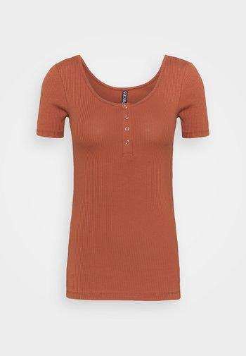 PCKITTE TALL - Basic T-shirt - copper brown