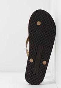 MICHAEL Michael Kors - STRIPE EVA - T-bar sandals - brown - 4