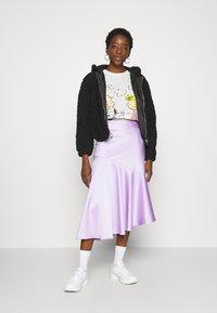 JDY - PEANUT LIFE PRINT - Print T-shirt - cloud dancer - 1