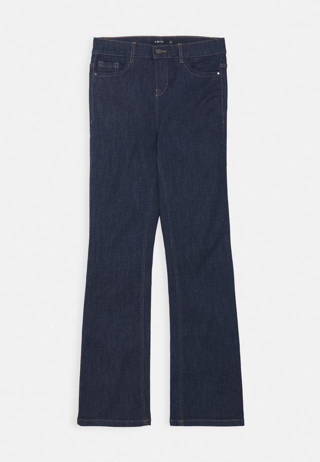 NLFPIL DNMTEJAS BOOT PANT - Vaqueros bootcut - dark blue denim