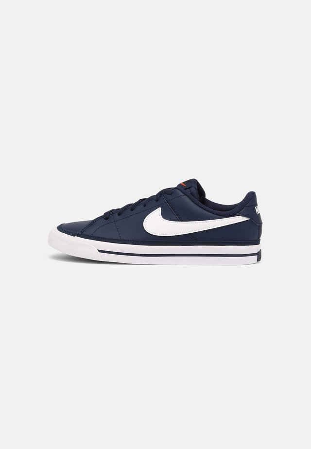 COURT LEGACY  - Trainers - midnight navy/white/gum/light brown