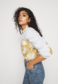 Versace Jeans Couture - Button-down blouse - bianco ottico - 7