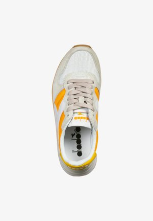 SCHUHE  - Sneaker low - orange