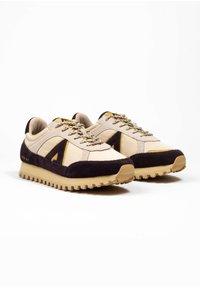 ASFVLT - CHASE - SNEAKER LOW - Sneakers basse - tan/burg.g - 2