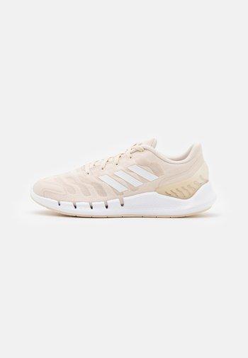 CLIMACOOL VENTANIA - Scarpe running neutre - halo ivory/footwear white/core white