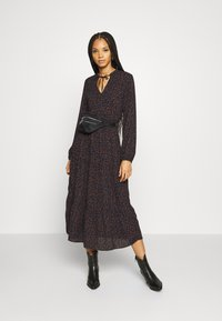 ONLY - ONLJERRY DRESS - Robe d'été - peacoat/toffee - 1