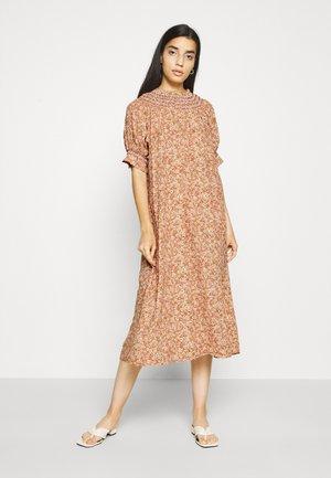 YASFARINA DRESS - Day dress - golden straw