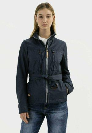 MIT TAILLENGÜRTEL - Light jacket - navy