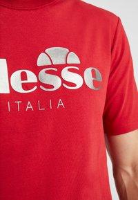 Ellesse - LUCCHESE - T-shirt imprimé - burgundy - 4