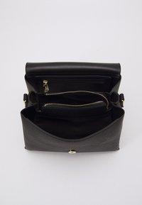 Valentino Bags - ALEXIA - Handbag - nero - 2