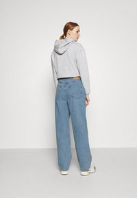BDG Urban Outfitters - MODERN BOYFRIEND - Relaxed fit jeans - bleach - 2