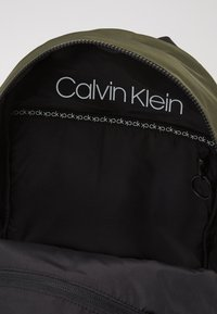 Calvin Klein - NASTRO LOGO BACKPACK - Reppu - green - 4
