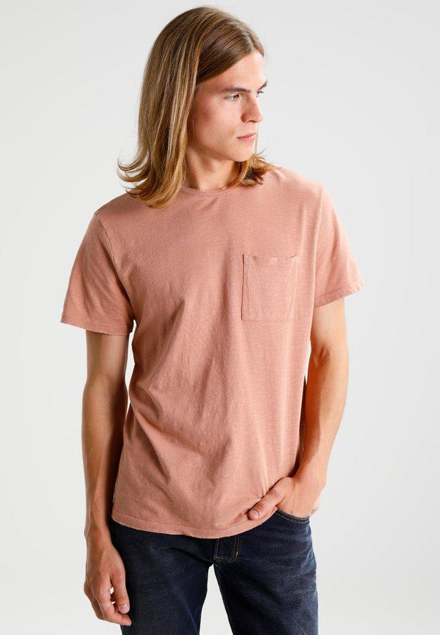 NIBBLED BOXY                         - T-shirt basic - pink