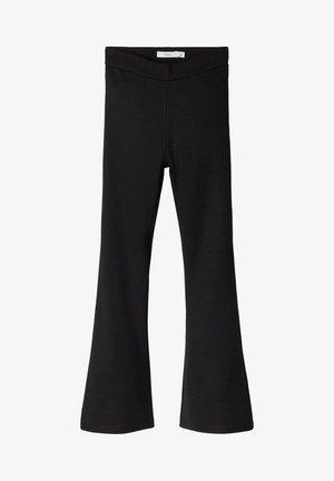 NKFFRIKKALI BOOTCUT  - Spodnie materiałowe - black