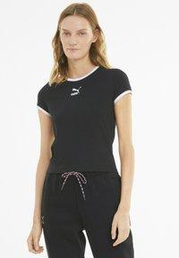 Puma - CLASSICS - T-shirt imprimé - black - 0
