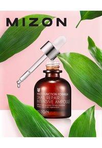Mizon - SNAILREPAIR INTENSIVE AMPOULE - Serum - - - 2