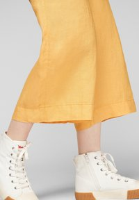 s.Oliver - Trousers - sunset yellow melange - 5