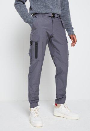 LEWIS HAMILTON UNISEX RIPSTOP CARGO PANT - Pantalones cargo - coal