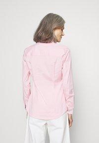 Tommy Hilfiger - ESSENTIAL - Button-down blouse - pink grapefruit - 2