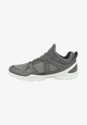 BIOM STREET - Chaussures de marche - titanium