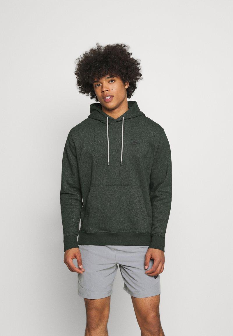 Nike Sportswear - HOODIE - Kapuzenpullover - galactic jade