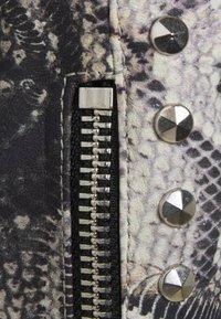 John Richmond - JACKET OBOISE - Kožená bunda - light grey/grey - 2