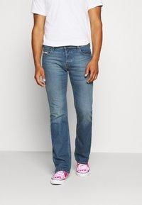 Diesel - ZATINY-X - Bootcut jeans - 009ei - 0