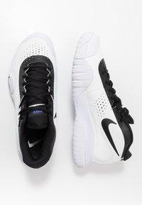 Nike Performance - COURT TECH CHALLENGE - Chaussures de tennis toutes surfaces - white/black/persian violet - 1
