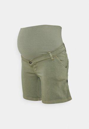 TURN UP - Shorts - green