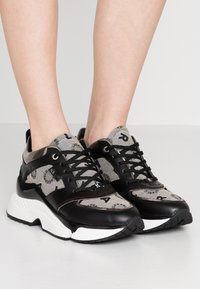 KARL LAGERFELD - AVENTUR MID LACE JACQUARD - Sneakers - light grey weave/black - 0