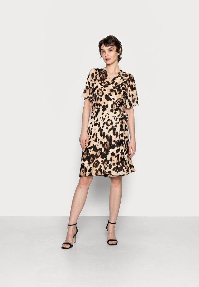 YASMEEN WRAP DRESS - Day dress - natural big