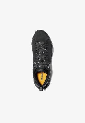 TREELINE LOW - Sznurowane obuwie sportowe - blackout nubuck