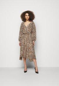 LIU JO - ABITO - Day dress - macula naturale - 0