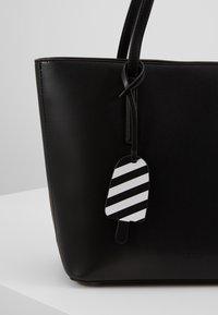 Seidenfelt - LYNGDAL - Käsilaukku - black - 2