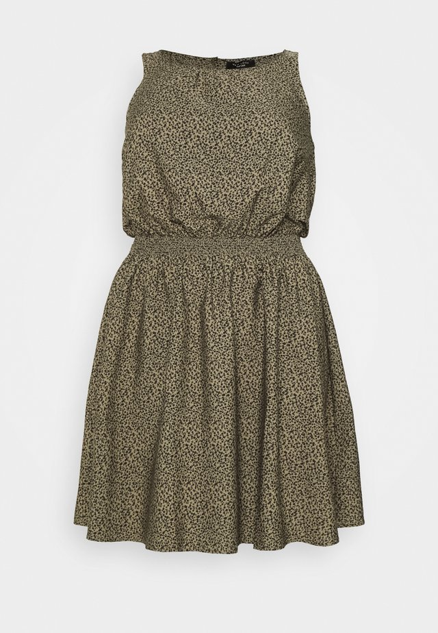 BETH FLORAL LESS DRESS - Robe d'été - green